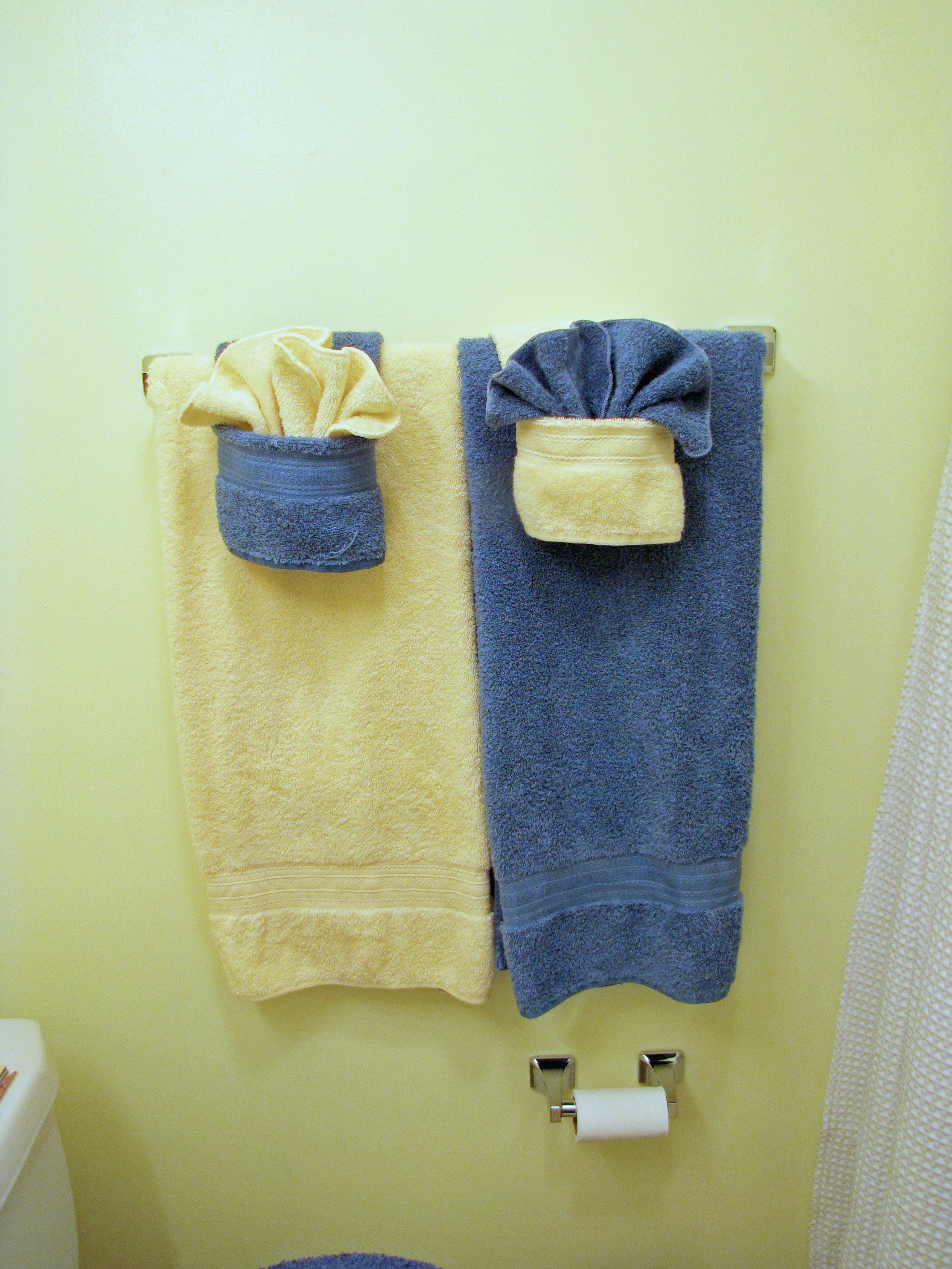 Fancy towels w pockets dinner discourse for How to fold decorative bathroom towels